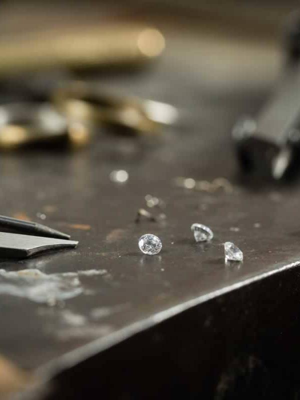 Valutazione diamanti gioielli milano